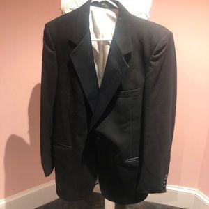 Pierre Cardin 42L tuxedo 🤵